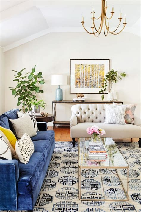 blue sofa living room ideas 25 best ideas about blue velvet sofa on blue