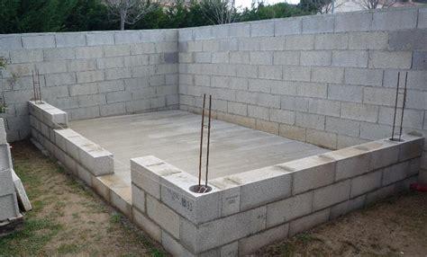 Brique Ou Parpaing Rt2012 by Construire Abri De Jardin En Parpaing 7 Abri De Jardin