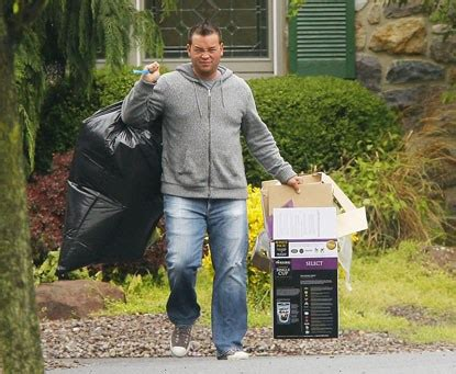 Kate I Run Around My House by Jon Gosselin Does Work Around The House While Kate Does