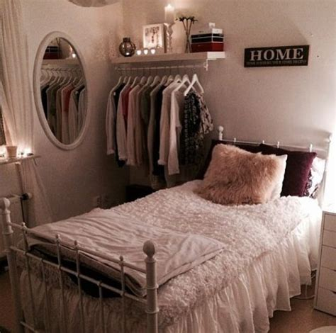 Setting Up A Small Bedroom by Le Catalogue D Id 233 Es