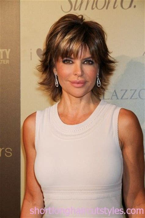 shaggy hair styles 2002 hairstyles to look younger lisa rinna short shaggy