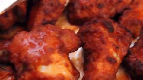 domino pizza wings hot buffalo wings domino pizza oknha meas youtube