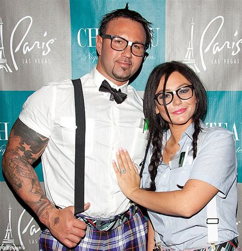 JWoww and fiancé Roger Mathews geek out for Las Vegas