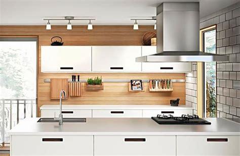 sulla cucina condominio e foro per la cappa della cucina