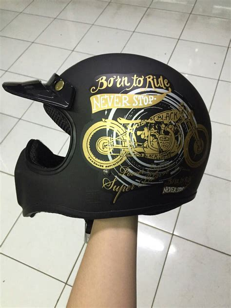 Helm Cakil Black Doff jual helm cakil born to ride black doff with stiker gold