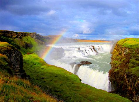 pretty places to visit gullfoss golden falls iceland beautiful places to visit