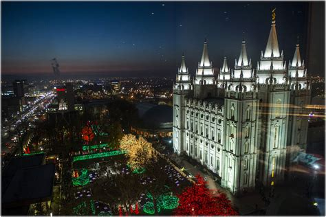 lights on temple square at f22