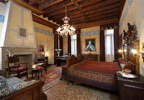 The Venice Room by Rooms And Rates Hotel Palazzo Priuli Venice
