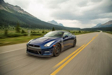motor trend epic drives nissan gt r heads on new epic drives motor trend wot