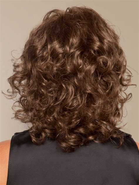 medium length naturally curly haircuts for round faces 16 must try shoulder length hairstyles for round faces