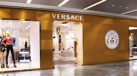 Popular House Plans versace to open home line store in india