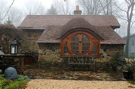 real hobbit house this real life hobbit house will make think you re in middle earth