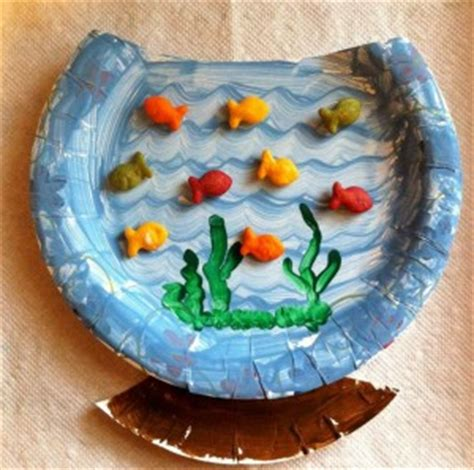 Paper Plate Aquarium Craft - paper plate animal craft idea for crafts and