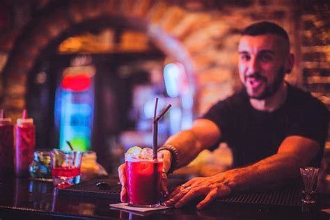 Beginner Bartender by 20 Best Free Business Courses Learn Business