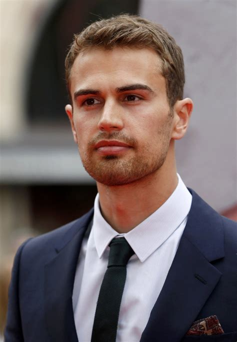 Www Theo | shailene woodley wants rumored boyfriend theo james to act
