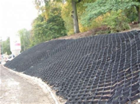 Landscape Fabric For Slopes Typar Geocell Slope Stabilization Cellular Confinement