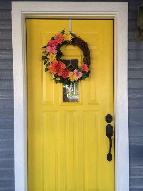 wreath     front door cute