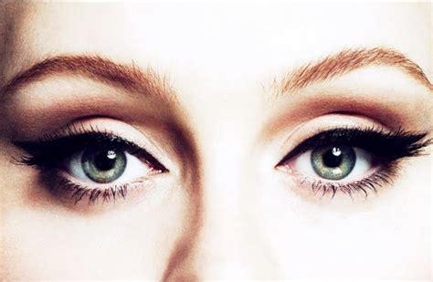Eyeliner Bawah Mata is you tips memakai eyeliner yang tepat sesuai dengan bentuk mata