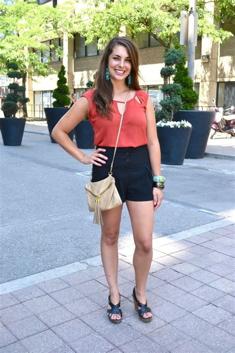 Le Fashionistacom Designer Weekly Pink by This Week S Inspiration Fashionista Spotlight Talia