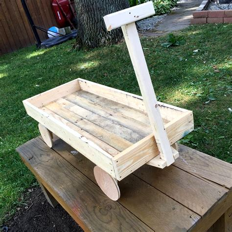 diy wagon pallet wood wagon for 101 pallets