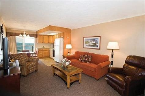 typical living room typical bedroom picture of pinestead reef resort traverse city tripadvisor