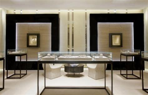pomellato negozi lusso e atmosfera coloniale per la nuova boutique