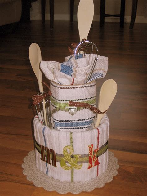 Wedding Shower Gifts by 24 Things To Make Out Of Bathroom Towels Tip Junkie