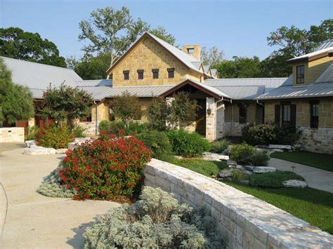 texas ranch houses sprawling texas ranch style home