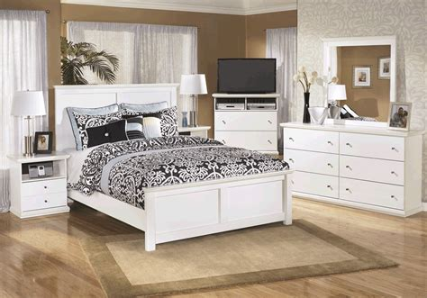 bostwick shoals bedroom set bostwick shoals white queen bedroom set lexington