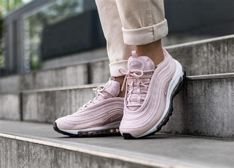nike wmns air max  barely rose barely rose black
