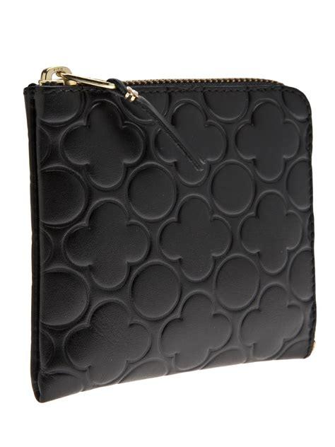 Comme De Garcons Knot Handbag Wallets by Comme Des Gar 231 Ons Floral Embossed Zip Wallet In Black For