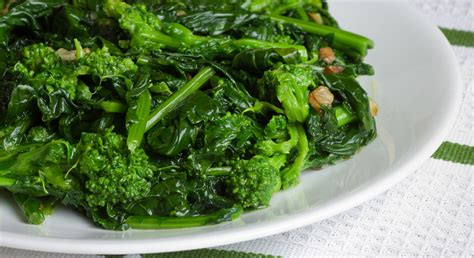 cucinare cime di rapa broccoletti ripassati in padella melarossa