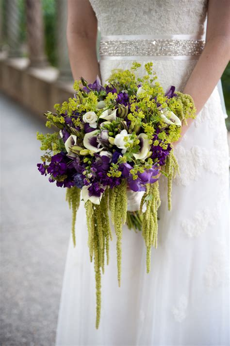 Best Flowers for Fall Weddings in Washington DC Area