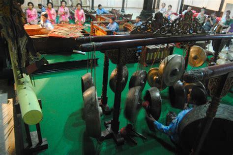 jogja indo batik puppets jackfruit  sultans