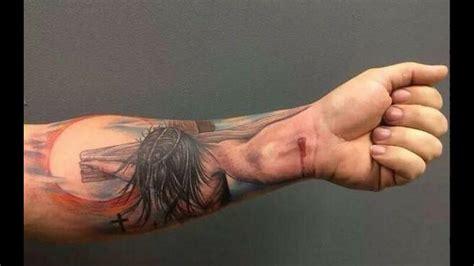 tattoo de jesus en el antebrazo 28 tatuajes 3d que fueron mas all 225 de la creatividad