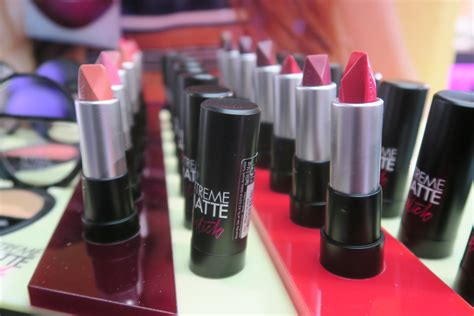 Lipstik Flormar flormar store opening new products zeza s things