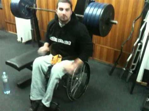 200kg bench press bench press 200kg x 5 i zgibovi 60kg x 10 petar milenkovic