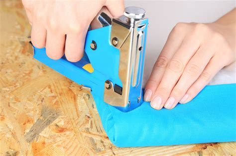 what kind of staples for upholstery what types of staple gun for upholstery use is best