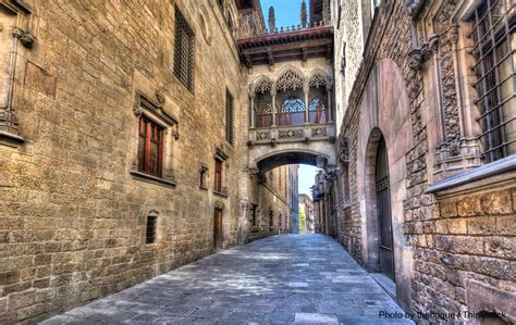 barcelona gothic quarter what is the barcelona gothic quarter