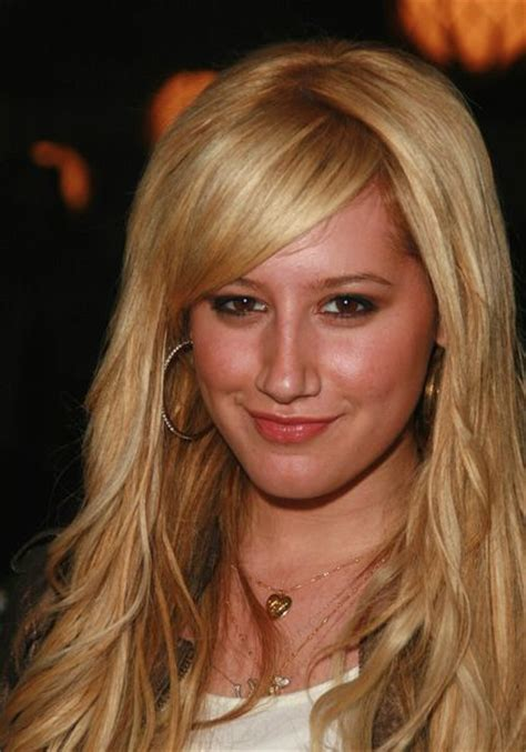 how to style bangs in the middle side swept bangs with middle part ashley tisdale hair