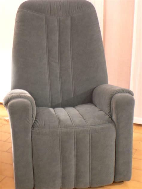 poltrone massaggio prezzi poltrona relax con shiatsu divani a prezzi scontati
