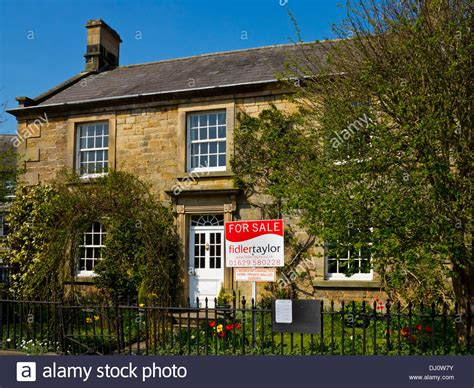 Cottages For Sale Peak District by Idyllic Country Cottage For Sale In Hartington A