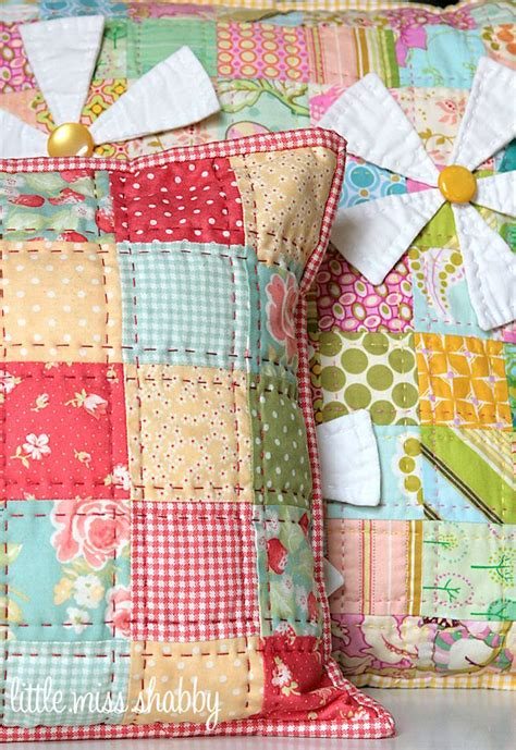 Hawaiian Patchwork Quilt - 1000 ideas about quilted pillow on hawaiian