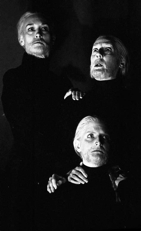 themes behind macbeth a spooky theme for hallowe en macbeth s weyard sisters on
