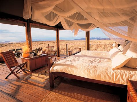 four poster safari style gling interior design ideas