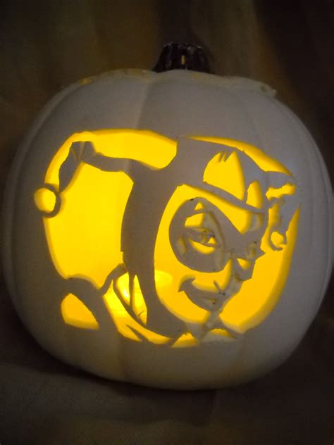harley quinn pumpkin template out the bat signal because dc pumpkins