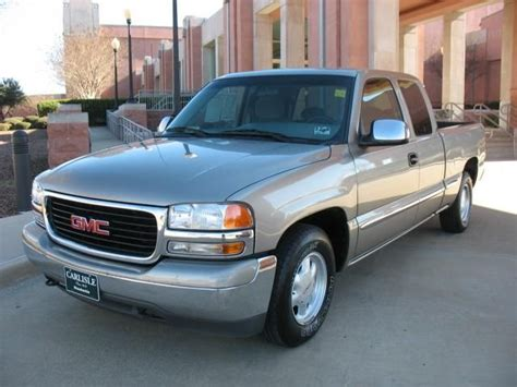 books on how cars work 2000 gmc sierra 2500 interior lighting 2000 gmc sierra 1500 information and photos momentcar