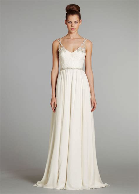 Wedding Decoration: Simple Elegant Wedding Dresses