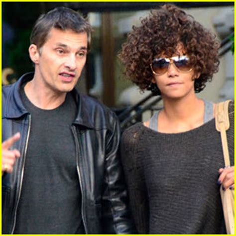 Revealed The Picture That Sparked Halle Berrys Anti Semitic Controversy by Halle Berry Style Tips Revealed Halle Berry Olivier