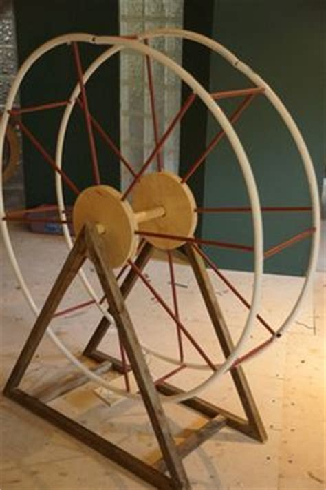 How To Make A Paper Ferris Wheel - this site has loads of free printables for students to